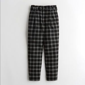 HOLLISTER | Plaid High Rise Belted Mom Trousers Black White Size XS